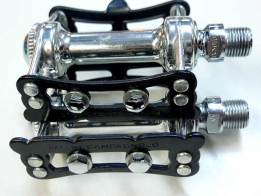 track-pedal2